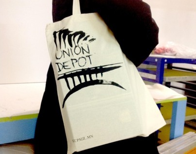 Union Depot Commuter Tote Bags