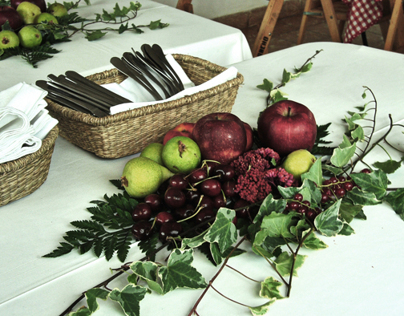 RED FRUITS WEDDING DECOR