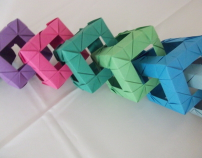 Origami linked cubes