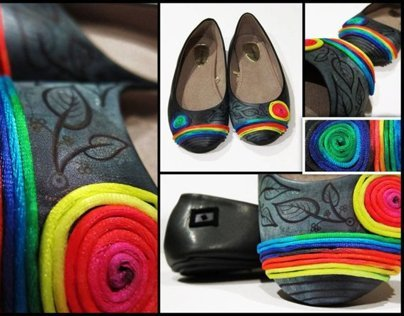 WOMANS RAINBOW SHOES