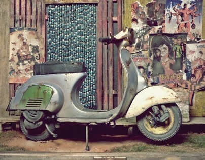 Bollywood Vespa 1/9