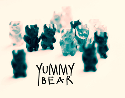 YUMMY BEAR / T-shirt prints