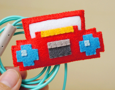 Pixel radio electric wire keeper & brooche