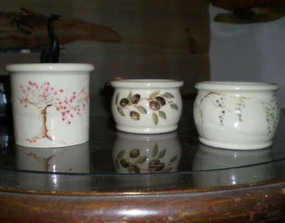 Illustrated pottery