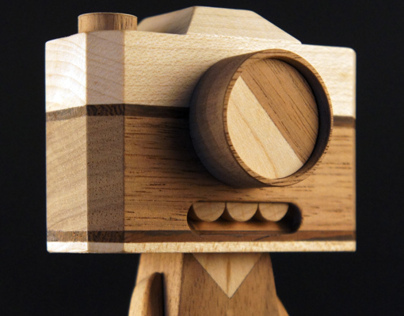 Wooden bots & characters