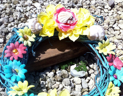 Beach Daisys Wooden Wreath