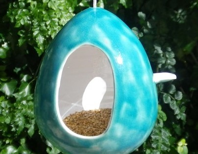 Ceramics bird feeder
