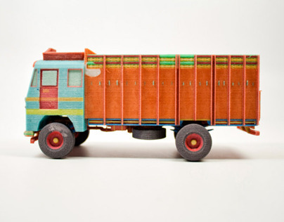 MINIATURE INDIAN TRUCK