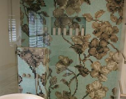 Walk-in shower in Bisazza Hanami