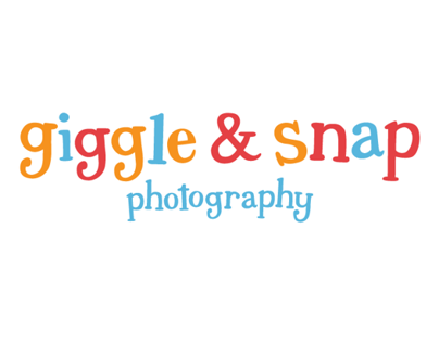 Giggle & Snap Photography Logo