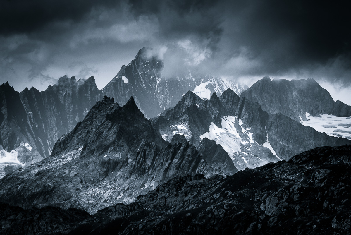 Monochromatic Alps