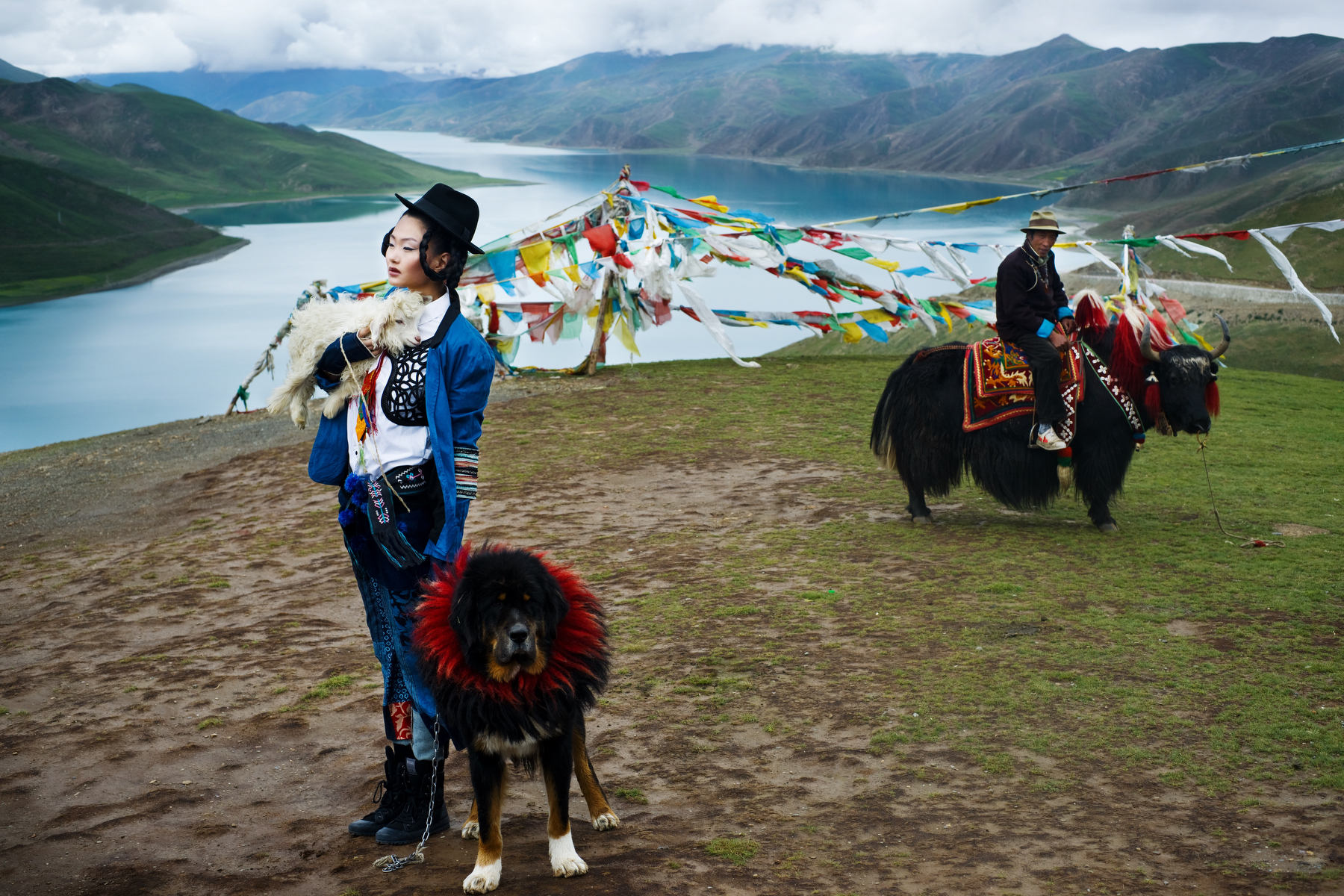 Harper's Bazaar : Seven Days in Tibet